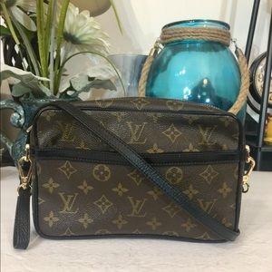 Louis Vuitton Compiegne 23 Shoulder Bag- Black